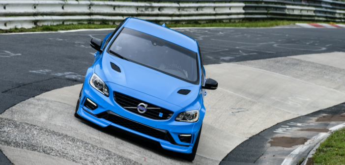 Among the 250 component changes made to the 'standard' Volvo models by Polestar, aerodynamic components made from carbon fiber have been added